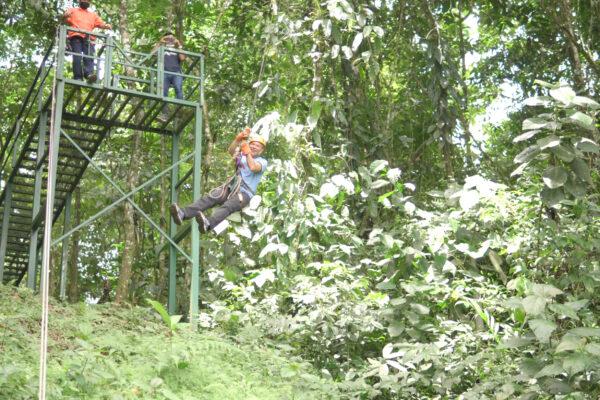 Tarzán Swing Vista Arenal Adventure Park